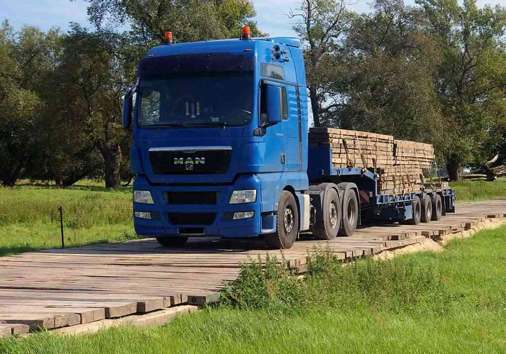 Baggermatten Transport per Tieflader